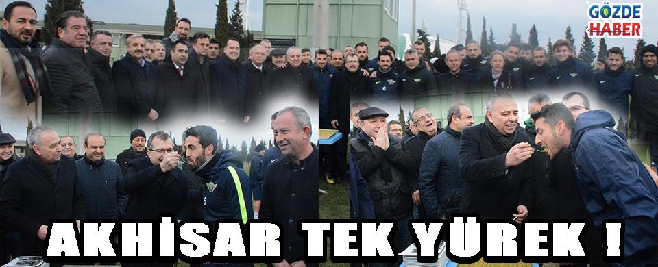 Akhisar'da Protokol Üyeleri Takıma Moral Oldu !