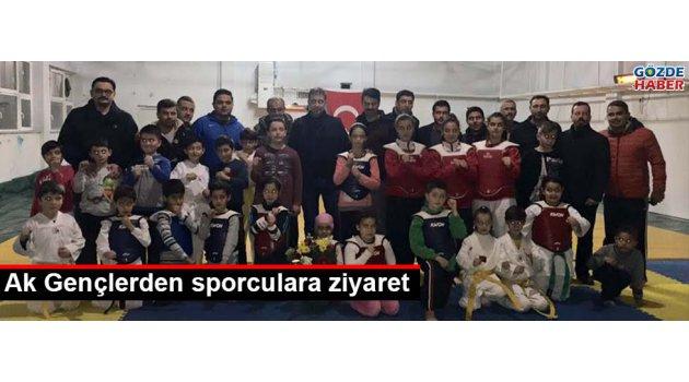 Ak gençlerden sporculara ziyaret