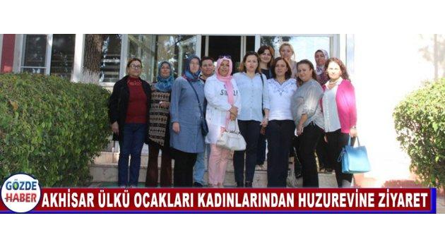 Akhisar Ülkü Ocakları Kadınlarından Huzurevine Ziyaret