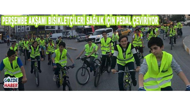 Perşembe Akşamı Bisikletçileri sağlık için pedal çeviriyor