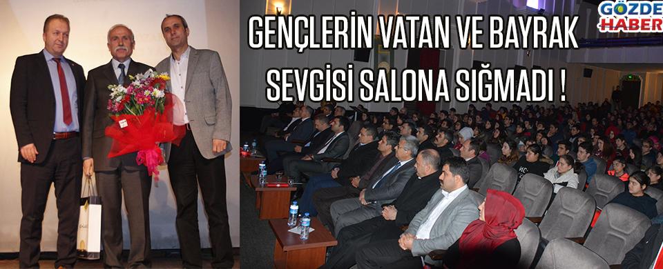 GENÇLERİN VATAN VE BAYRAK SEVGİSİ SALONA SIĞMADI !